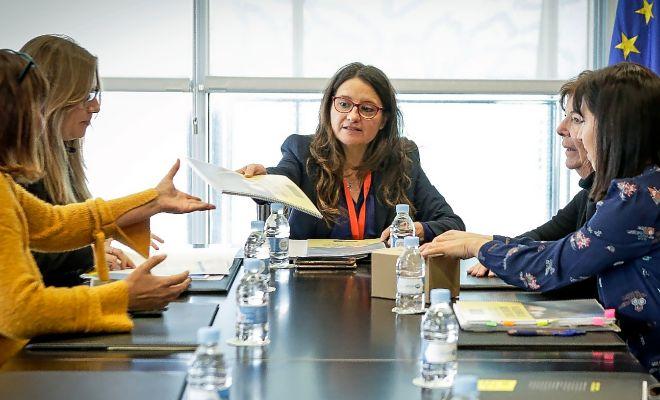 Mónica Oltra, ayer, durante su reunión sobre la protección de los derechos de las mujeres con Amnistía Interncional.