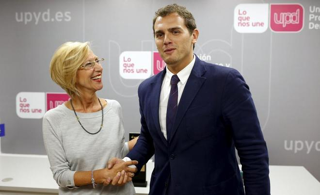 Rosa Díez (UPyD) y Albert Rivera (Ciudadanos), en las negociaciones fallidas en 2014.