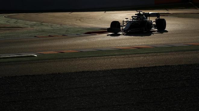 Lewis Hamilton, durante la primera jornada de entrenamientos en Montmeló.