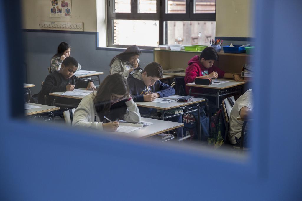 Alumnos de un colegio de Madrid realizando la evaluación externa de 6º de Primaria.