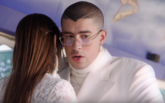 Bad Bunny protagoniza el videoclip de Si estuviésemos juntos, tema...