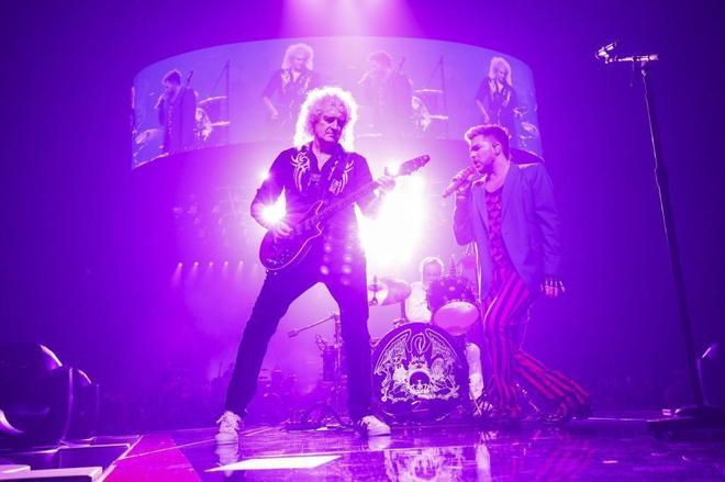 AQueen durante un reciente concierto, con Adam Lambert como cantante en lugar de Freddie Mercury.
