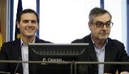 El líder de Ciudadanos, Albert Rivera, con el secretario general de...