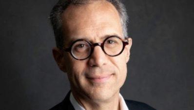 Egipto niega la entrada al país y deporta a un ex corresponsal del 'New York Times'