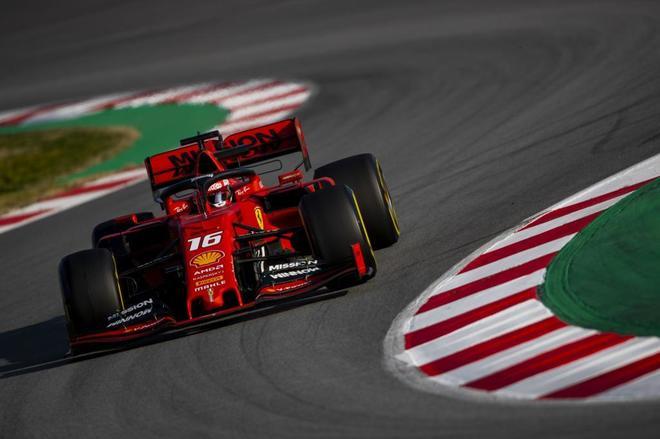 Charles <HIT>Leclerc</HIT> durante los test en el circuito de Montmeló.