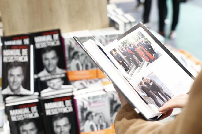 Ayer se puso a la venta el libro de Pedro Sánchez, 'Manual de resistencia'.