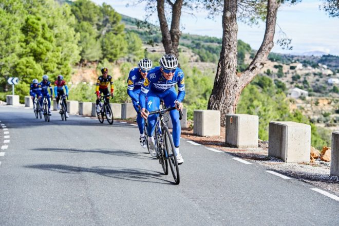 Enric Mas, durante un entrenamiento previo a la Vuelta al Algarve.