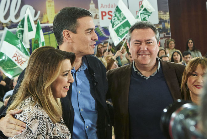 Juan Espadas, junto Susana Díaz, Pedro Sánchez y Verónica Pérez, en la presentación de la candidatura de Sevilla.