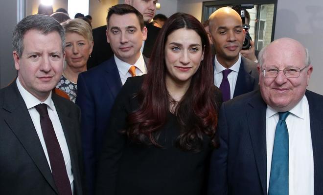 Los siete diputados del partido de Corbyn que han dimitido antes que Joan Ryan.