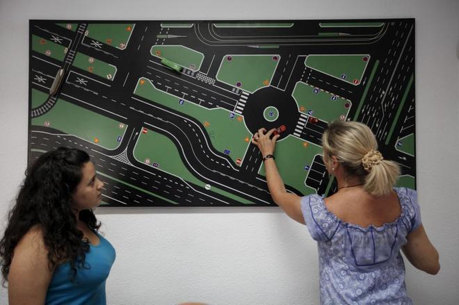 Las autoescuelas continuarán impartiendo los cursos de reeducación vial.