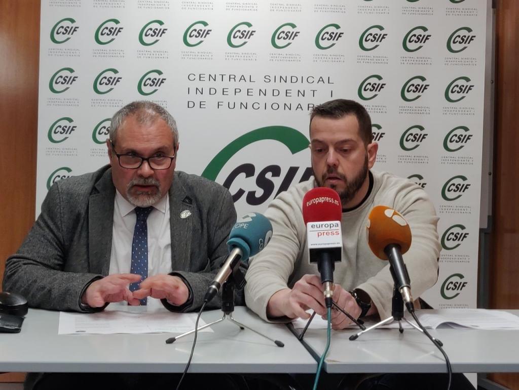 El presidente de Csif Catalunya, Joan Escanilla, y el responsable de Csif-Mossos Juan José Torrente