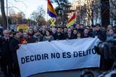 """Pancarta con el lema """"Decidir no es delito"""", en una concentración..."""