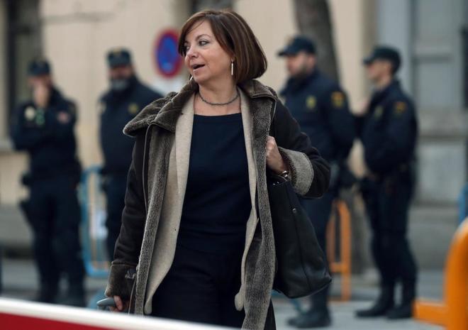 La ex consejera de Gobernación Meritxell Borràs, a su llegada al Tribunal Supremo.