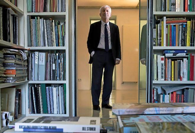 Luis Fernández-Galiano, en la sede de 'Arquitectura Viva'.