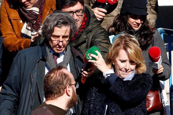 Esperanza Aguirre saliendo del 'juicio de los espías'.