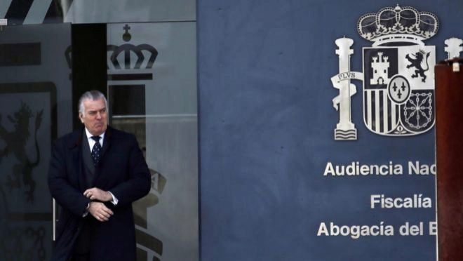 Luis Bárcenas, ex tesorero del PP, tras declarar en la Audiencia Nacional.