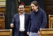 Alberto Garzón y Pablo Iglesias, en el Congreso de los Diputados.