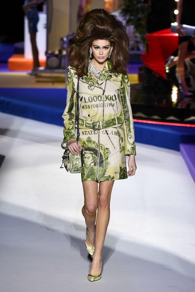 Desfile de Moschino · Semana de la Moda de Milán · Colección...