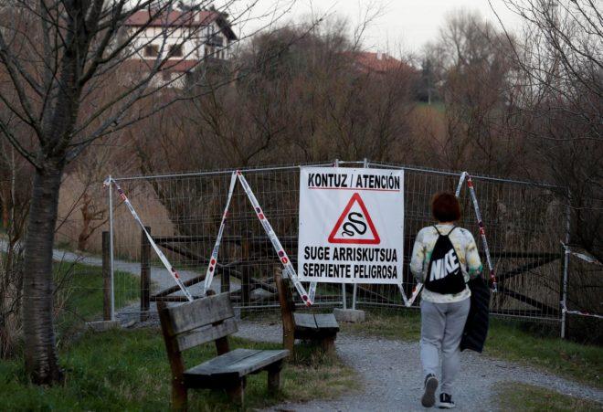 Los accesos a la marisma cerrados mientras buscaban la víbora.