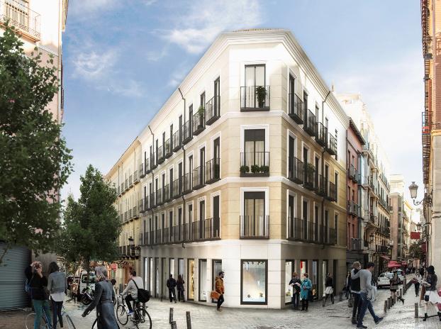 En la calle Cruz, en el centro de Madrid, la promotora levanta otro de sus desarrollos.