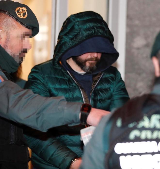 Pedro Nieva, presunto inductor del asesinato de Javier Ardines, a su llegada al juzgado de Llanes.