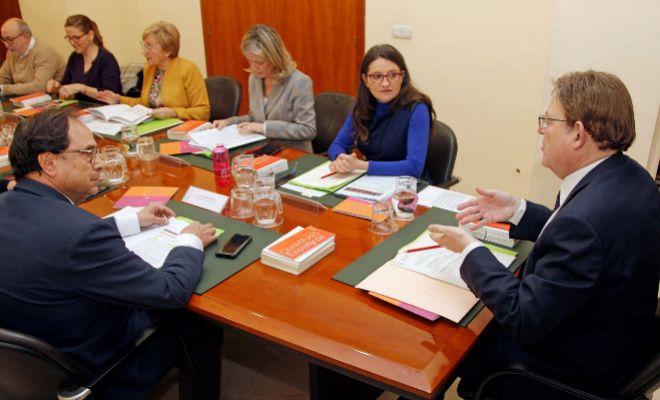 Mónica Oltra, durante la reunión del Pleno del Consell esta mañana en Alicante.