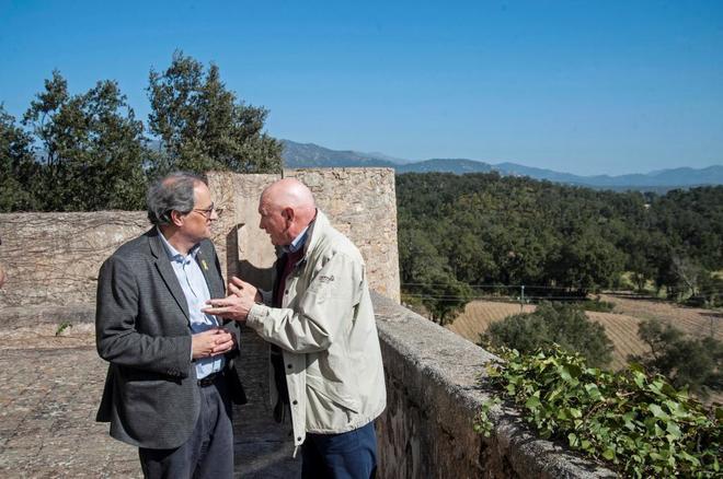 El presidente de la Generalitat, Quim <HIT>Torra</HIT> (i), y el ex lehendakari Juan José Ibarretxe (d) este viernes