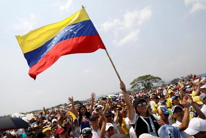Un día decisivo para la caída del tirano Maduro