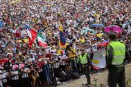 Público asistente al concierto Venezuela Live Aid celebrado este viernes en la fronteriza Cúcuta, Colombia.