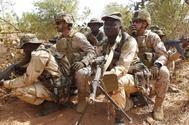 Militares españoles y malienses en un entrenamiento en la base de Koulikoro.