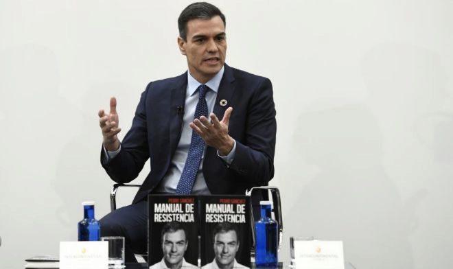 Pedro Sánchez, durante la presentación de su libro 'Manual de resistencia', en Madrid.
