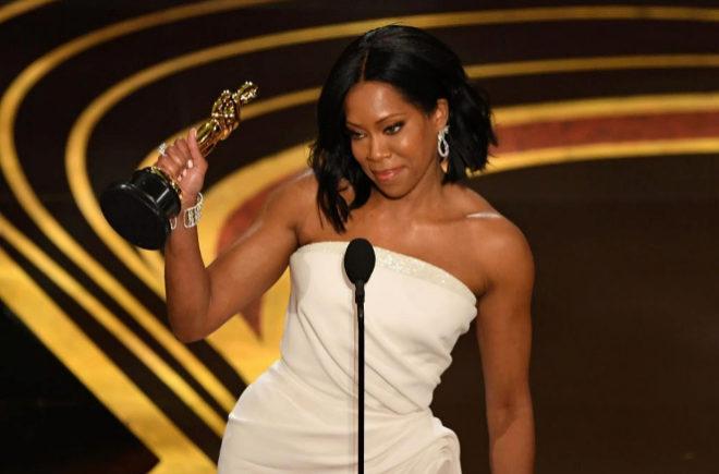 Regina King al agradecer su Oscar como mejor actriz de reparto por El Blues de Beale Street.