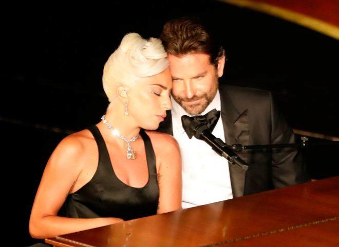 Lady Gaga y Bradley Cooper en la gala de los Oscars 20º19