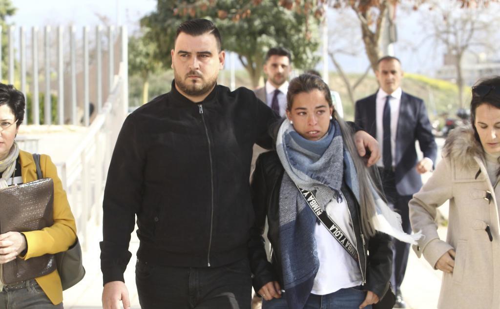 Los padres de Julen, en una de sus primeras declaraciones en la Ciudad de la Justicia de Málaga