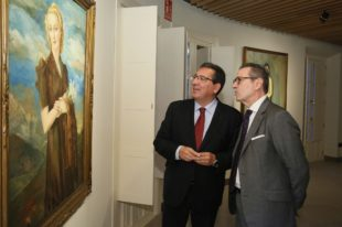 La Fundación Cajasol inaugura su nueva sala de exposiciones con una muestra sobre la mirada en la mujer de Enrique Ochoa
