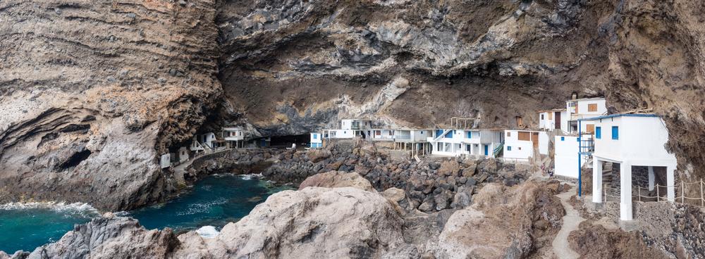 El Poris de Candelaria, en Tijarafe, es un entrante de mar que forma...