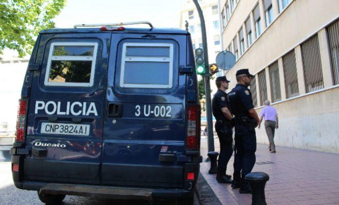 Detenida una mujer con 30 reclamaciones judiciales en vigor por estafa, 4 de ingreso en prisión