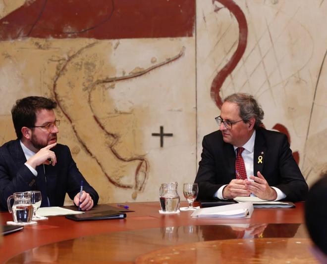 El presidente de la Generalitat, Quim Torra, con vicepresidente Pere Aragonès en una reunión del Consell Executiu.