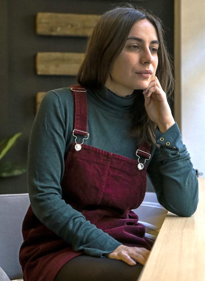 La poeta y veterinaria de campo María Sánchez, durante la...