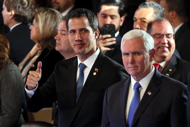 El mandatario interino de Venezuela, Juan Guaidó, junto al vicepresidente de EEUU, Mike Pence.