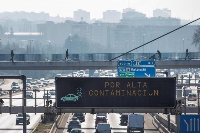 Imagen de la M-30 de Madrid, a la altura del desvío para la A-3.