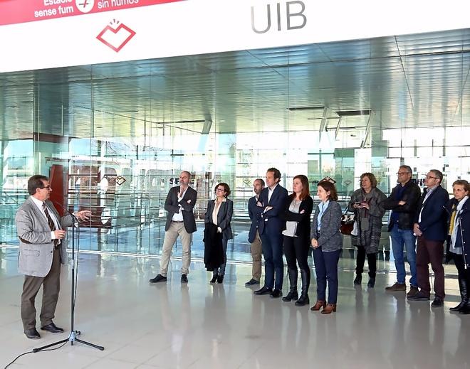 Un Govern ya en campaña presenta el metro al Parc Bit