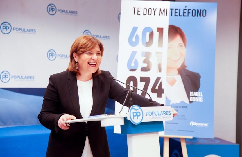 Hola, soy Isabel Bonig y 'Te doy mi teléfono': 601 631 074