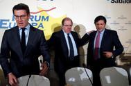 De izqda. a dcha., Alberto Núñez Feijóo, Juan Vicente Herrera y Javier Fernández, en un desayuno informativo en Madrid.