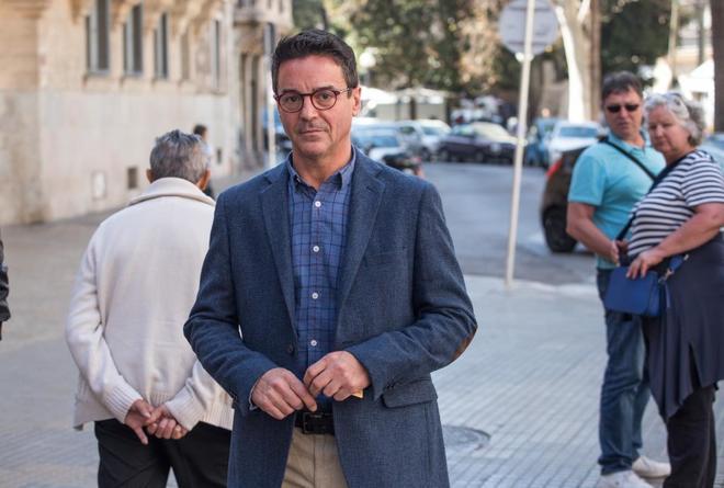 Rodrigo de Santos llegando a los juzgados de Palma.