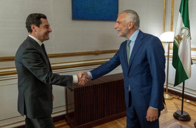 El presidente de la Junta, Juan Manuel Moreno, recibe este martes al embajador de Italia en España, Stefano Sannino.