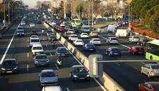 El Ayuntamiento de Madrid activa los semáforos de la A-5 con bronca