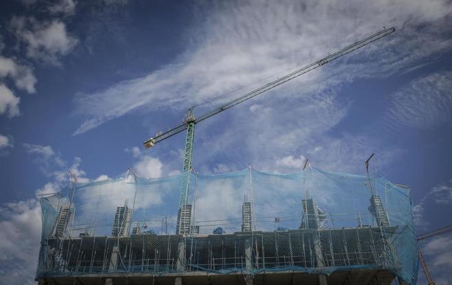 Un edificio de vivienda en construcción en Valencia.