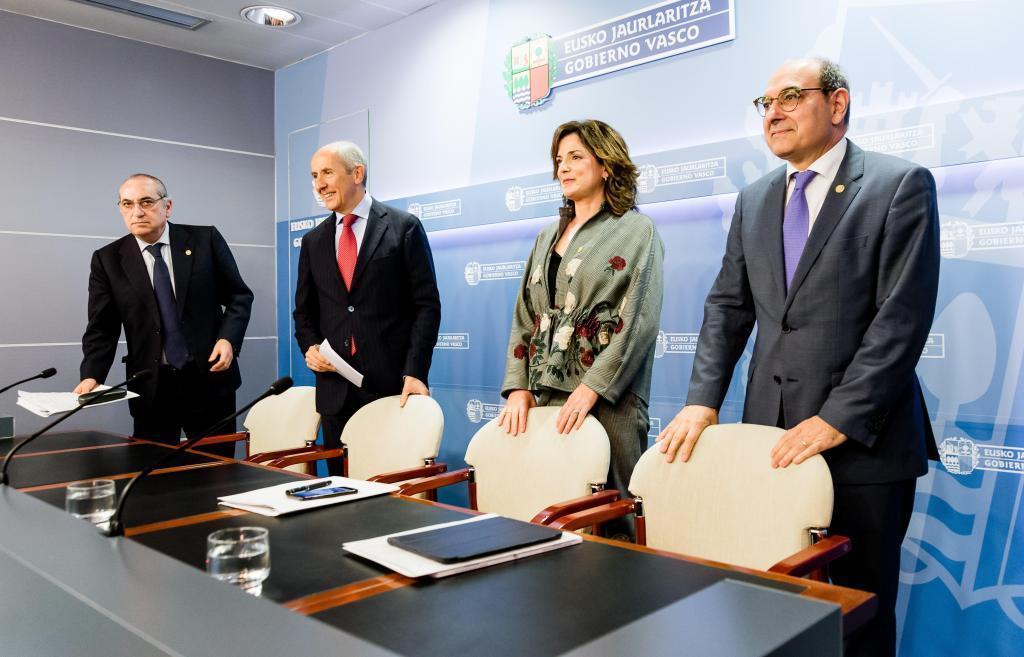 Arriola, Erkoreka, Artolazabal y Darpón, tras el consejo de Gobierno.