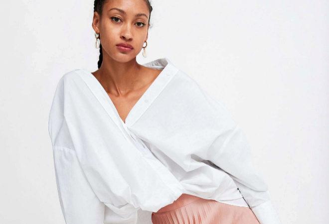 a904a4e89 La falda plisada más versátil para la primavera está en Zara   Moda
